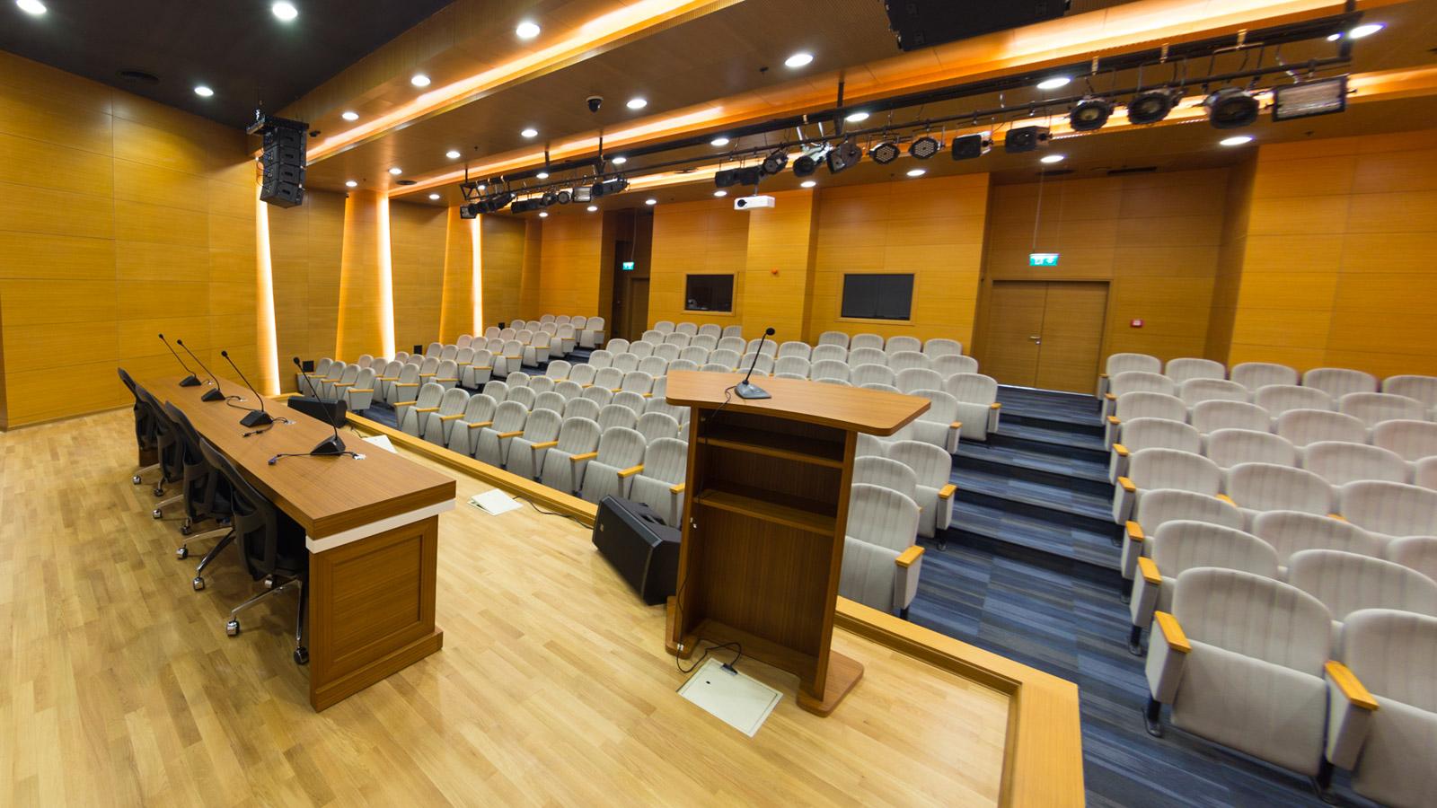 https://www.akustikproje.com.tr/wp-content/uploads/004_konferans-salonu-uygulama.jpg